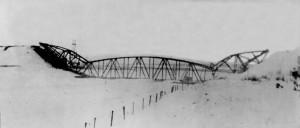 Дмитровский мост после подрыва. Декабрь 1941 года