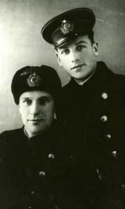 Капитан А.Н. Голяко (справа) с сослуживцем перед началом войны