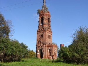 Колокольня Христорождественского храма в деревне Языково. Современный вид.