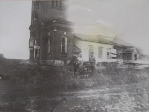 Христорождественский храм в селе Языково. Послевоенное фото.